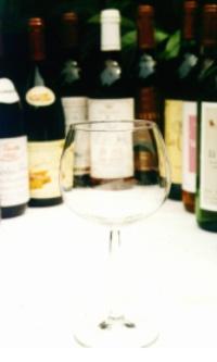 havelberg-gueldene-pfanne-weinkeller-glas